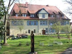 Zum Herrenhaus
