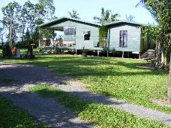 Triple MMM Cottage Holiday Accommodation