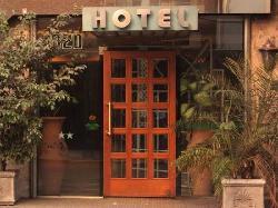Hotel Puerto Bandera