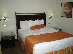 Bakhos Suites Hotel