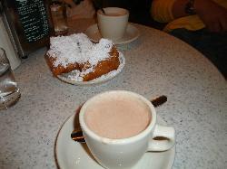 beignets w/ hot chocolate