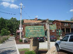 Yough Plaza Motel