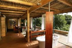 Intsomi Lodge