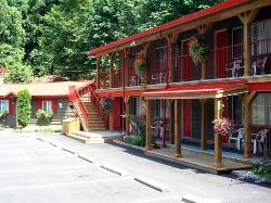 Holiday Motel & RV Resort