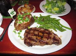 Tahoe Joe's Famous Steakhouse