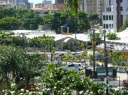 Bem localizado, na Avenida Dom Luís com rua Coronel Jucá, frente ao Shopping Dom Luís.