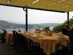 Glicine Al Lago