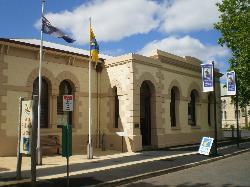 Penola Coonawarra Information Centre