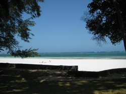 The front of the property, direct access to the beach