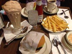 Pie n' Burger