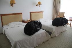 Yueliang Lake Desert Holiday Hotel