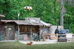 Zippin' Pig BBQ at Foxfire Mountain