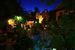 Amanhavis Hotel & Restaurant