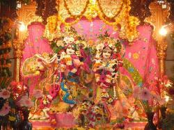 ISKCON V.V Nagar, Sri Sri Radha Giridhari