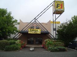 HotelF1 Vernon