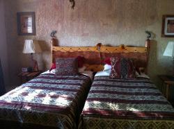une chambre de la suite Hogan Hozoni, l autre à un lit double