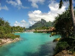 4S resort lagoon
