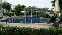 piscina al lado del restaurante gourmet el Alux