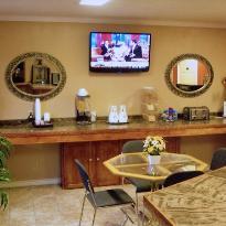 Hillcrest Inn & Suites