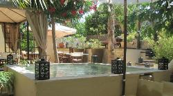Courtyard with water feature (jacuzzi in background). This is where breakfast is served.