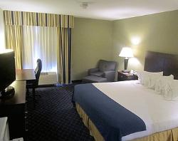 Holiday Inn Express Delafield