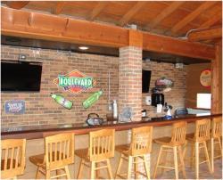 Van's Pizza, Pub & Grill