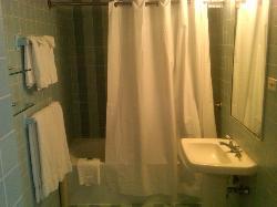 Bathroom/Room 822