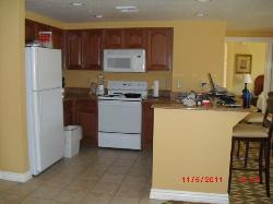 Full, well stocked kitchen