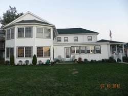 The Lakehouse Inn