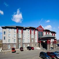 Redwood Inn & Suites