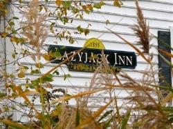 Lazy Jack Inn on Dogwood Harbor