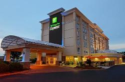 Holiday Inn Express Hampton Coliseum Central