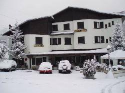 Giral Hotel
