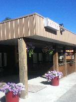 Selkirk Inn