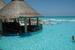 Swim up bar/pool