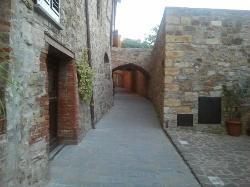 Uno scorcio di San Donato in Poggio