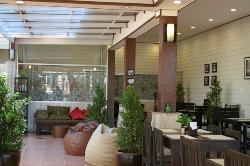 Linda's Restaurant &  Lounge