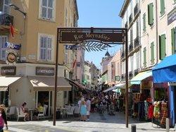 Rue Meynadier