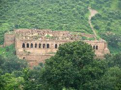 ‪Bhangarh Fort‬