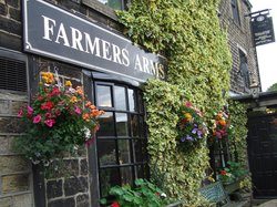 ‪The Farmer's Arms‬