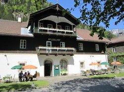 Hotel Pflueglhof