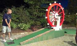‪Kniess Miniature Golf‬