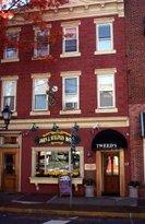 Tweeds Buffalo Bar