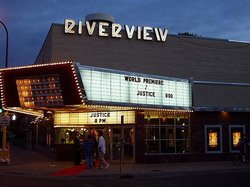 ‪Riverview Theater‬