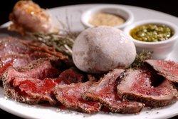 Hatraklin Bistro Meat & Wine