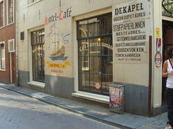 Cafe-Hotel International
