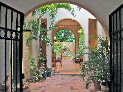 Merida English Library House & Garden Tours