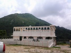 Devi Palace Heritage Resort