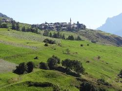 Guarda-set on the hill