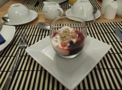 Berries, yoghurt and granola